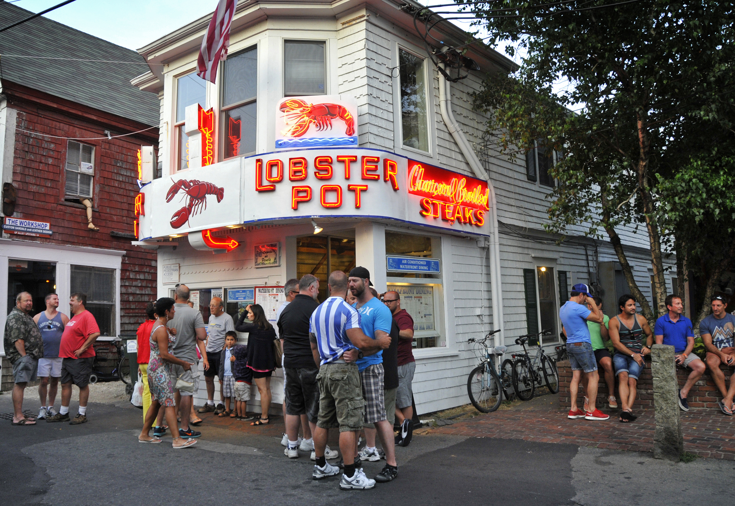 Provincetown seafood restaurants for Mass street fish house